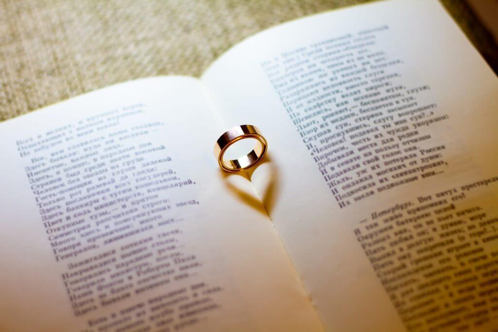 【知りたい】客先常駐SEは結婚しても大丈夫なのか【将来は?】