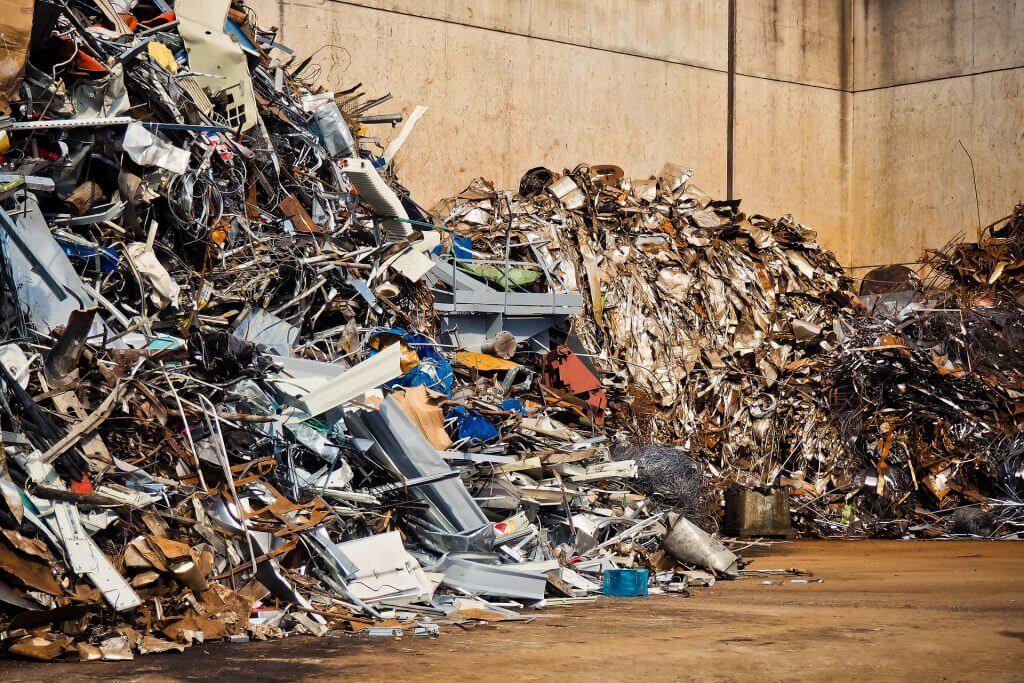 客先常駐がゴミ糞扱いされる3つのシンプルな理由。業界の闇とは