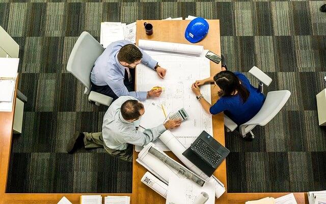 社内SE転職におすすめの業界とは?5分で業種別の特徴が丸わかり!