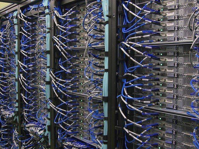 COBOLしかできないけど大丈夫?COBOLの将来性や需要、単価は?